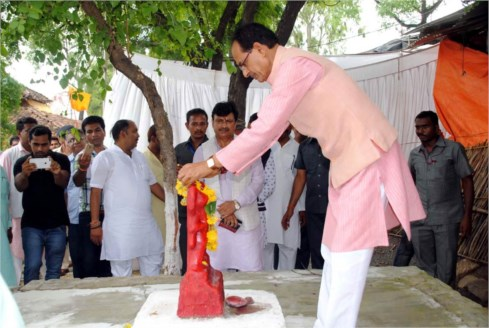 Construction of Sant Ravidasji temple at Maihar to be completed on time