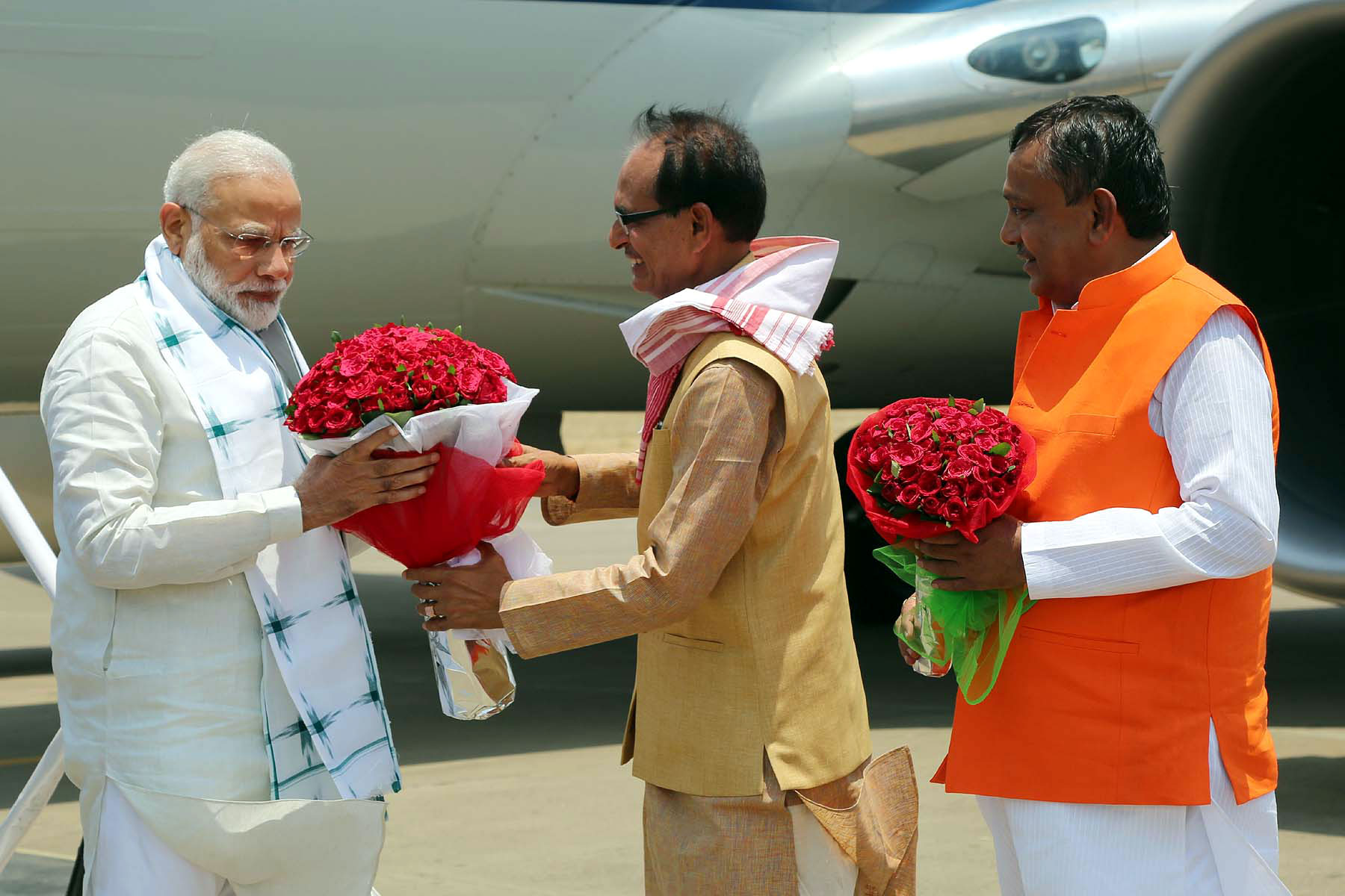 PM Shri Narendra Modi given warm welcome at helipad in Amarkantak